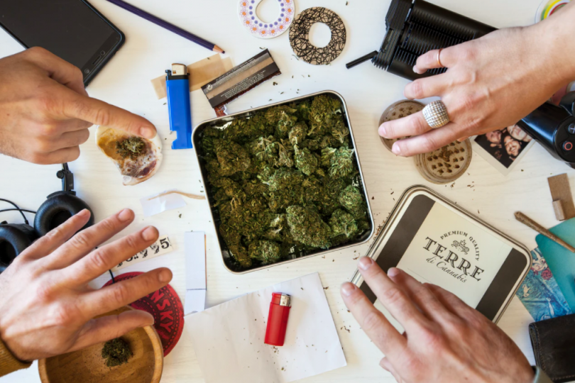 Essential Weed Accessories Every Stoner