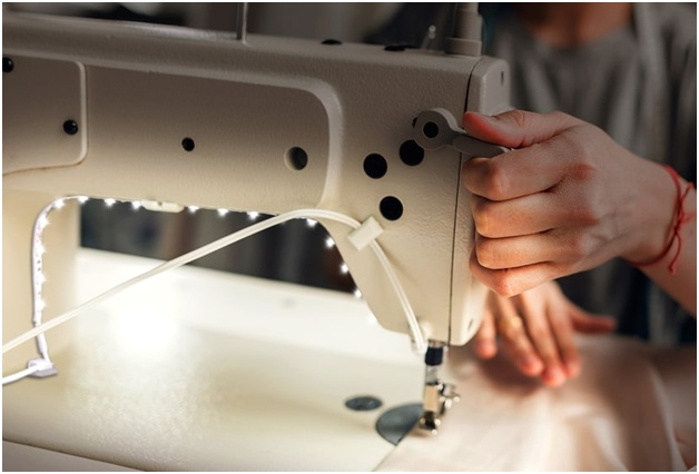 Mechanical Sewing Machines are the simplest type of sewing machines.