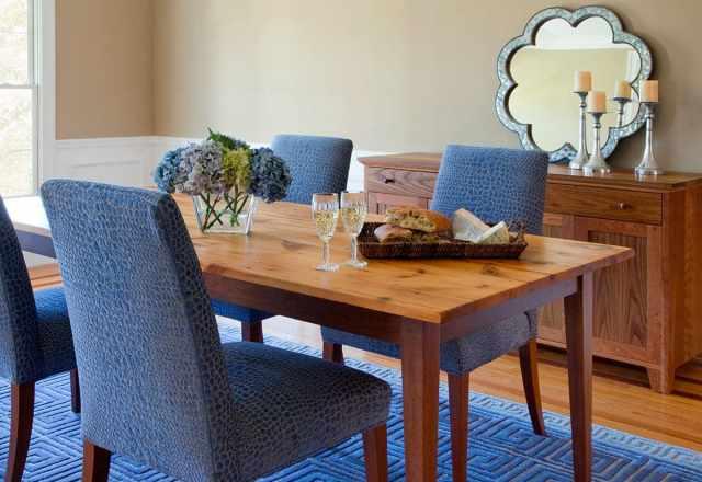 Wood vs. Upholstered Restaurant Furniture