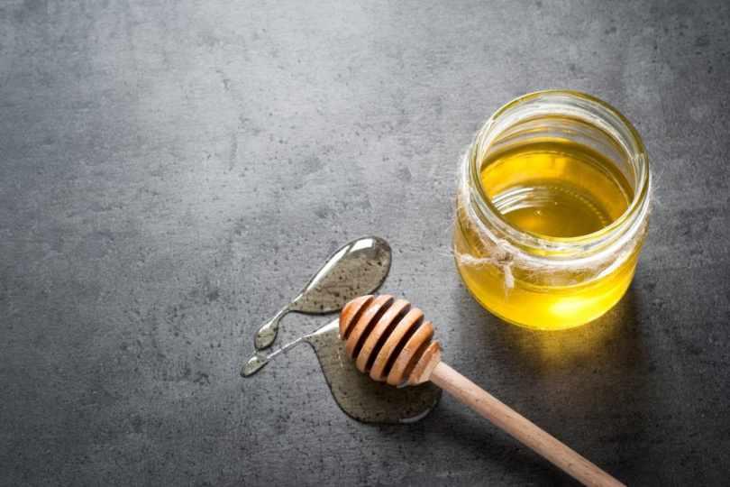 raw honey and regular honey