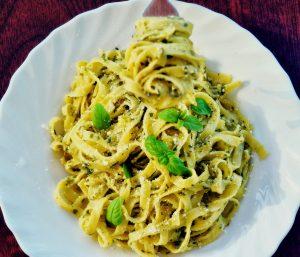 Chicken Pesto Pasta Recipes With Veggies, Cheese, and Cream